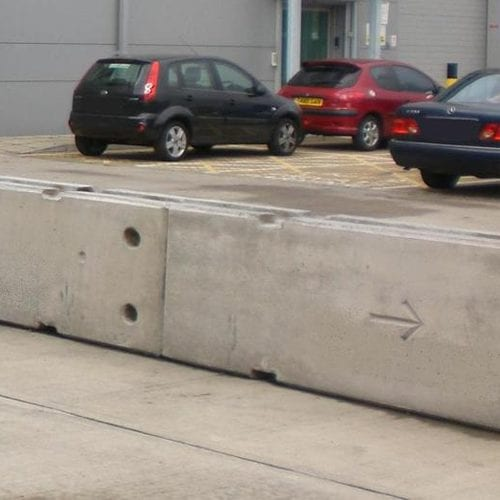 Read more about the article The Big Benefits of Using Parking Lot Barriers