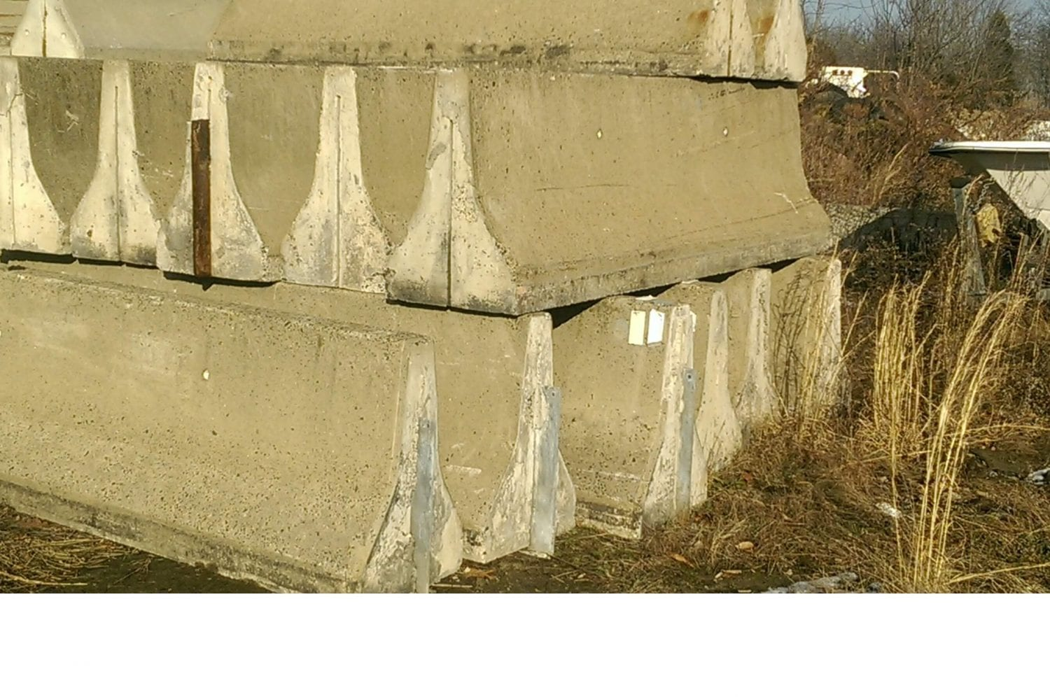 10′ Used Concrete Jersey Barrier